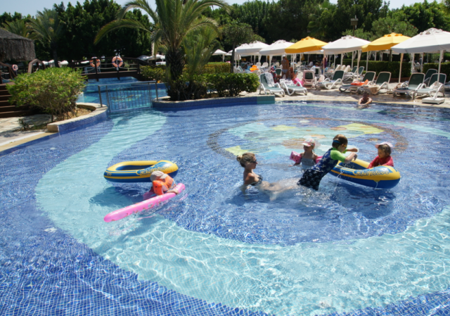 Another shallow pool perfect for toddlers!