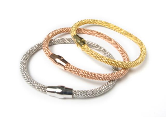 Silver-woven-bracs800x584